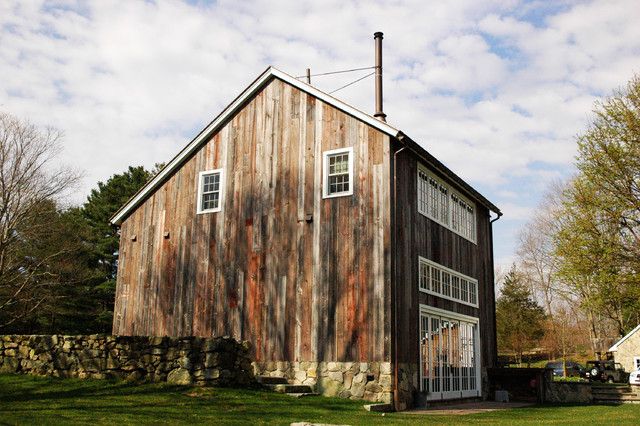 farmhouse-exterior